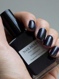 Le vernis à ongles Blueberry de NailBerry