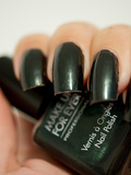 Vernis à Ongles n° 903 (Vert) de Make Up For Ever
